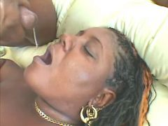 Black chubby whore gets in mouth