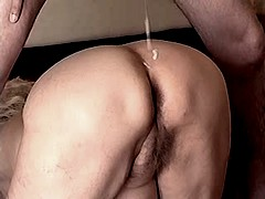 Hot granny gets cumshot on old ass