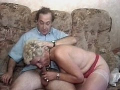 Granny does blowjob and gets dildo