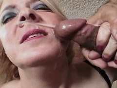 Old mature has fuck and gets facial